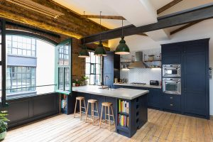shoreditch-industrial-penthouse-apartment-located-london-houseup-caandesign-01