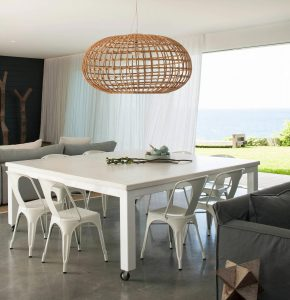 simple-white-palette-natural-textures-contribute-relaxed-beach-house-vibe-caandesign-03